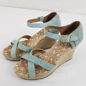 Tom's womens Size 8 blue wedges